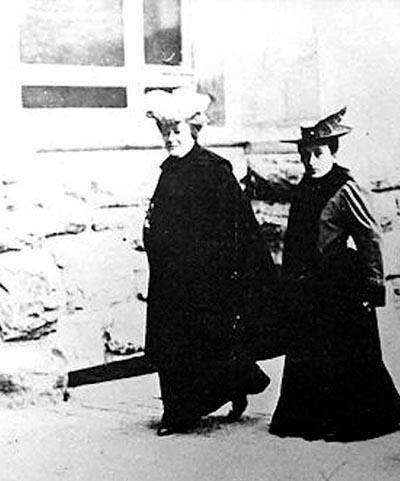 1910 gada 27 augustā Otrajā... Autors: karamele1132 Svētki tuvojas- Kādēļ Starptautiskā Sieviešu diena ir 8. martā .Leģenda