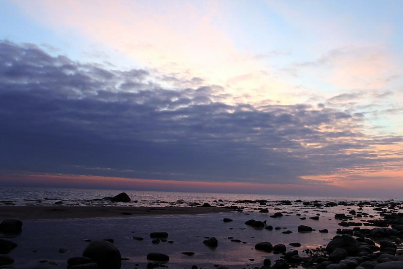 Autors: xd Saulriets jūrā