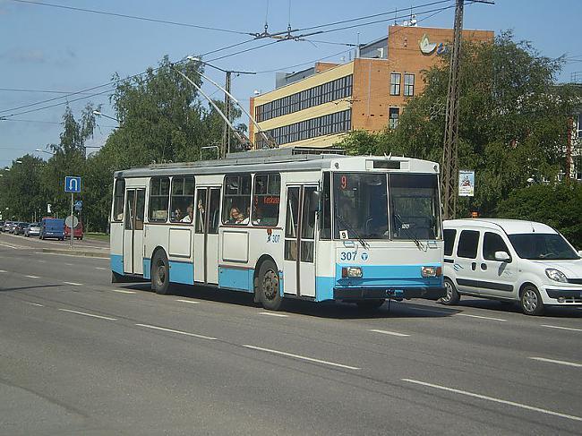 TEHNISKAIS... Autors: Fosilija Trolejbuss Škoda 14Tr