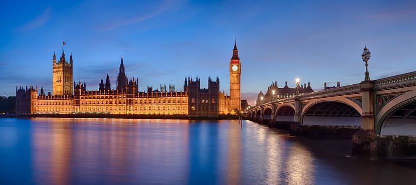 Panorāmas skats uz parlamenta... Autors: AdriansLV 10. skaistākās vietas uz planētas