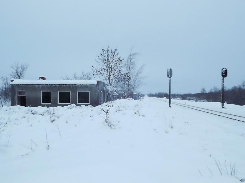 Mūsdienās Punduru stacija ir... Autors: Carloss Dzelzceļa stacijas un pieturas punkti līnijā Rītupe - Zemgale