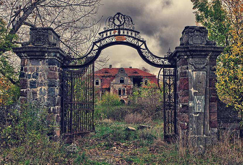 Sobanski pils Polija Autors: SinagogenBombardiren Pasaules interesantākās pamestās vietas