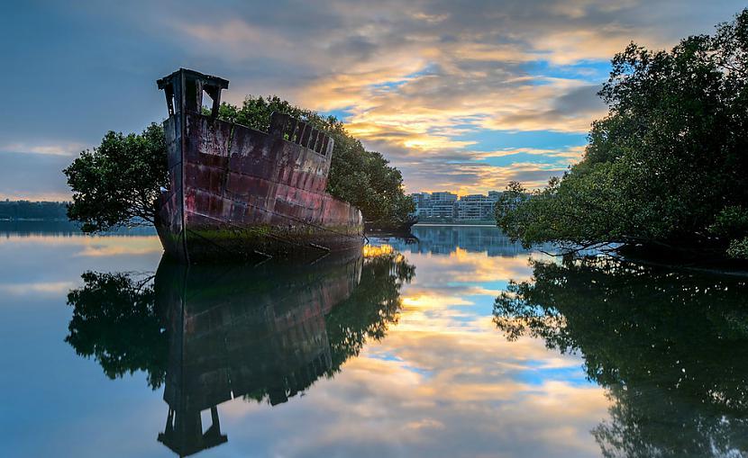 Pamests kuģis Sidnejā... Autors: SinagogenBombardiren Pasaules interesantākās pamestās vietas