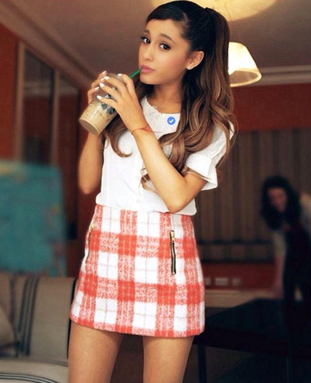 Viņas mīļākā saldējuma... Autors: Slimiķe Ariana Grandee Faktiņi! :)