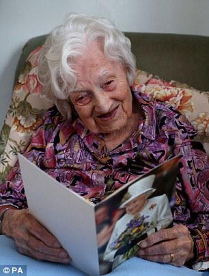 Vecvecmāmiņa Gladija savā... Autors: EV1TA Vecākā iedzīvotāja Anglijā  - 112 gadus veca!