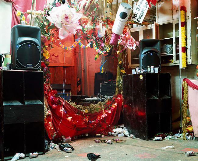 Autors: Fosilija Rīkot mājas ballīti ne vienmēr ir labākā ideja