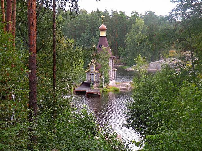 Vienīgais veids kā tikt uz... Autors: Sātans Brīnišķīga baznīca ,kas atrodas ezera vidū uz mazas saliņas.