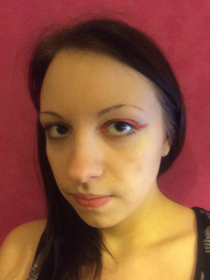 """2 Sarkanas acu ēnas jāuzliek... Autors: MazAa888 Neparasts vasarīgs make-up """"watermelon"""""""