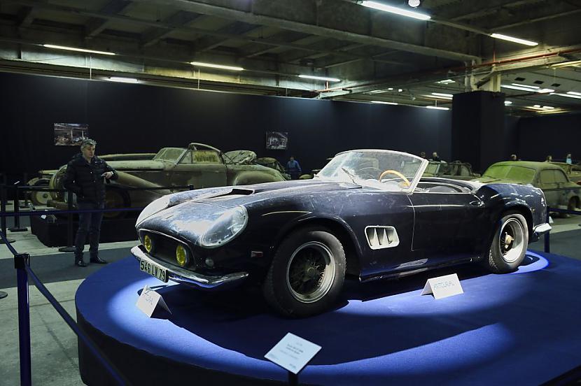 Ferrari 250 GT SWB California... Autors: the english Par miljoniem tiks izsolīti pamestā Francijas šķūnī atrastie retro auto.