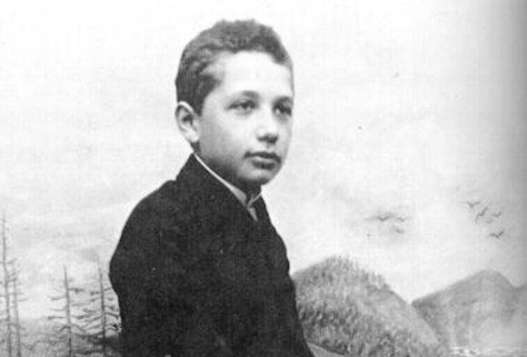 Alberts Einscaronteins Autors: zmx Sabiedrībā pazīstami cilvēki jaunībā