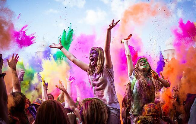 Autors: UndzBundz HOLI krāsu festivāls