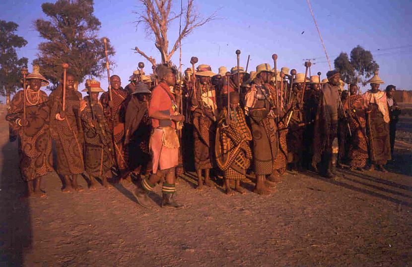 Aptuveni 40 iedzīvotāju dzīvo... Autors: Sulīgais Mandarīns Lesoto - augstākā valsts pasaulē