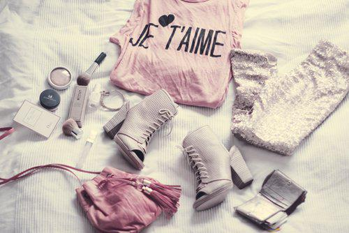 Tu esi meitene ja drēbju... Autors: TavasMammasDraudzene Tu esi meitene,ja....