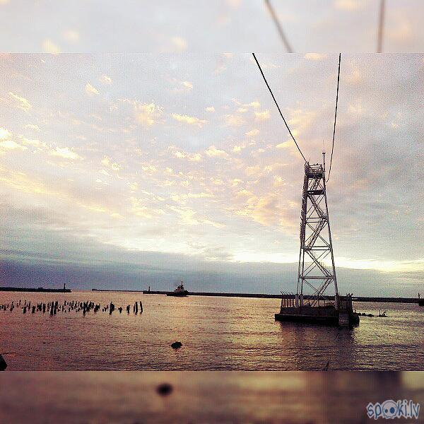 "Pārbaudījumu tilts Autors: blueye Skats caur LG G3 S (""Gold day by the sea"" edition)"