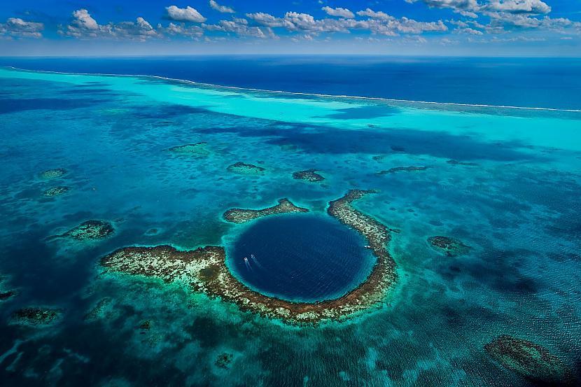 Lielais zilais atols Great... Autors: im mad cuz u bad Elpu aizraujošas vietas uz Zemes