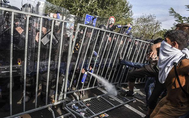 Ungārijas armija izmantoja... Autors: WhatDoesTheFoxSay Bēgļi - Eiropas pastāvēšanas beigas?