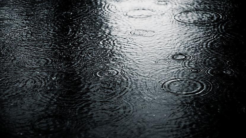 Autors: Gufija Raining Day