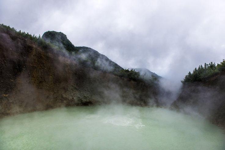 Verdoscaronais ezers... Autors: Sulīgais Mandarīns Skaistas un tajā pašā laikā bīstamas apskates vietas