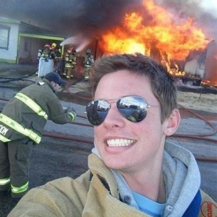 Autors: Deadshot Stulbākie selfiji sociālajos tīklos