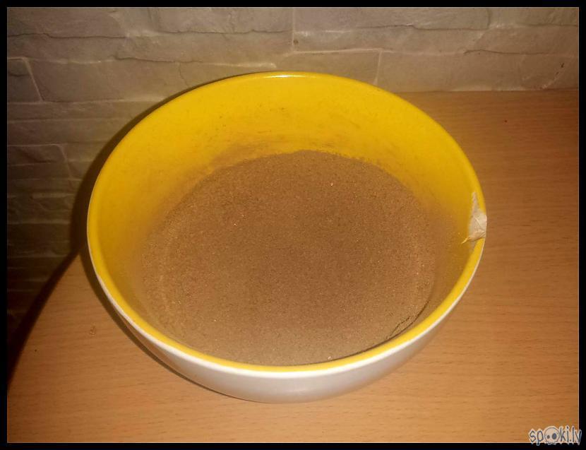 Kādus 200g brūnā cukura... Autors: Eguciiiite Kanēļmaizītes krēmsiera glazūrā