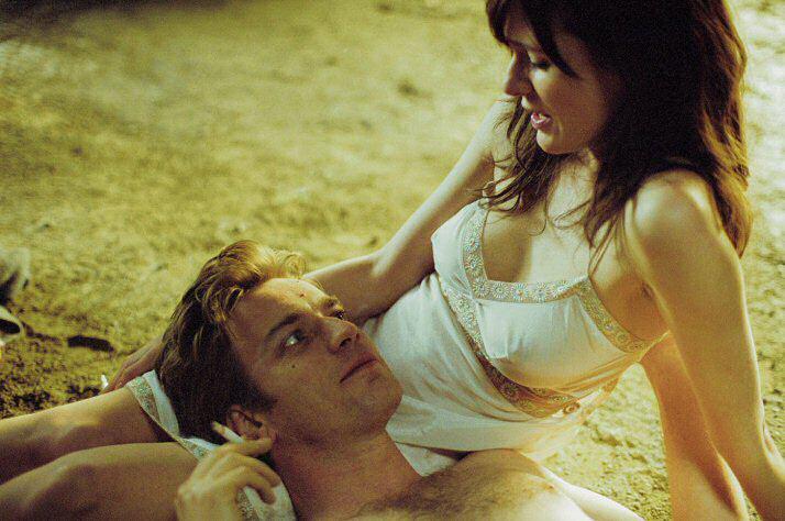 Jūens MakgregorsTalantīgais... Autors: Tavs kolēģis Kā aktieri jūtas seksa ainu laikā?