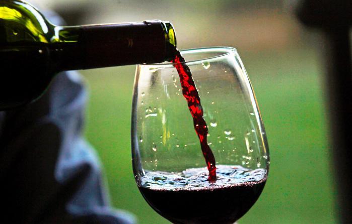 Lieta tāda ka vīnā... Autors: Lords Lanselots 1 glāze sarkanvīna pielīdzinās 1 stundai trenažieru zālē?