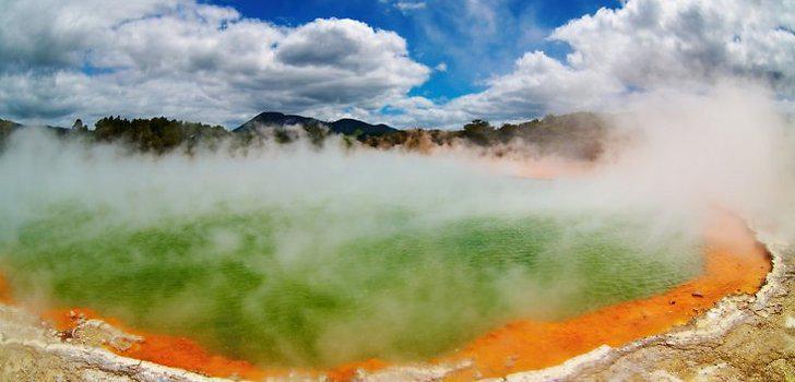 5Scaronampaniescarona baseins... Autors: AELOE 5 dīvainākās vietas uz Zemes.
