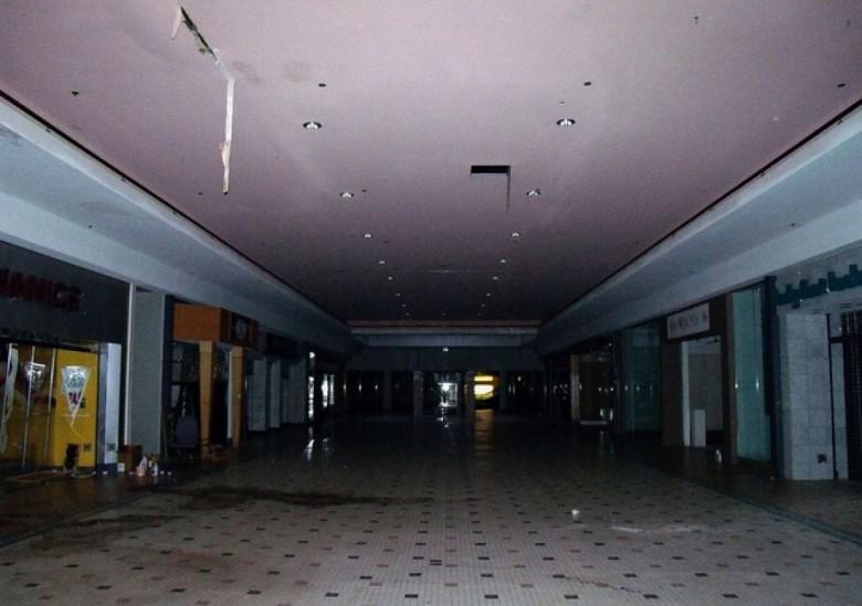 Cloverleaf Mall Ričmonda... Autors: Plane Crash central Baisākie pamestie iepirkšanās centri pasaulē
