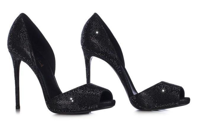"""Autors: Fosilija Dienas (6.3.16.) kurpītes - klasiskās melnās """"Le Silla"""" atvērtās laiviņas"""