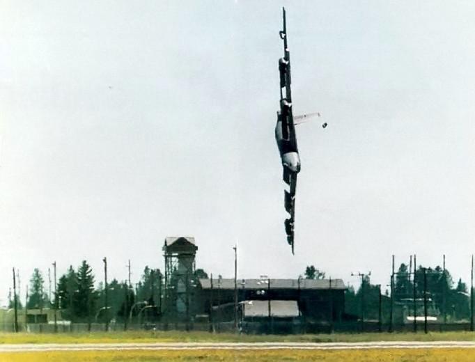 Bumbvedēja B52 katastrofa... Autors: Plane Crash central Nāves, kas iemūžinātas video
