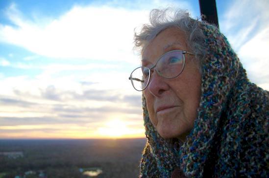 Pēdējos sescaronus... Autors: matilde Viņai diagnosticēja vēzi, bet viņa atteicās ārstēties un piepildīja savu sapni