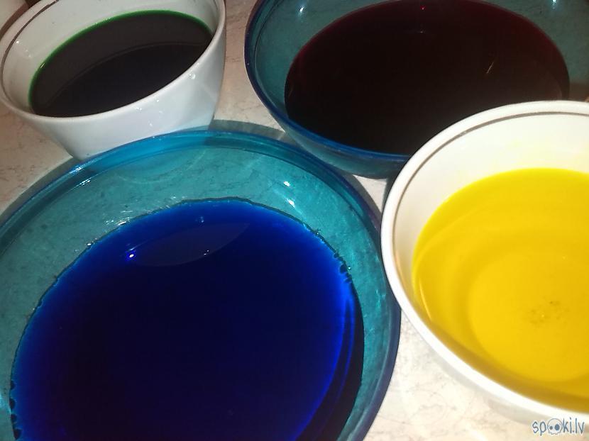 Krāsas sagatavo kā rakstīts... Autors: kaķūns Kosmiskās olas. Kā tādas dabūt?