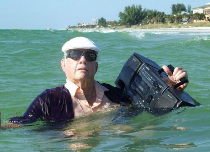 80 gadu reperis Autors: Fosilija Dīvainas fotogrāfijas, no kurām tavs prāts sāks vārīties. Kāpēc viņi tā dara?