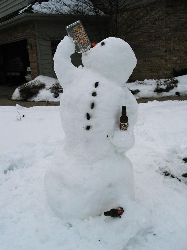 Autors: 100 A 20 jautri sniegavīri pilnīgi bez kompleksiem