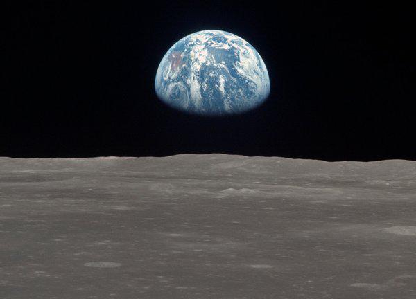 Hmm kāpēc nav zvaigznes... Autors: Fosilija Dažas lietas, kas pierāda, ka nolaišanās uz Mēness nav īsta