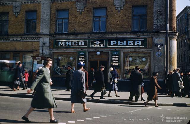 Ielas stūris centrālajā... Autors: Lestets PSRS dzīve 1950-tajos ASV diplomāta acīm