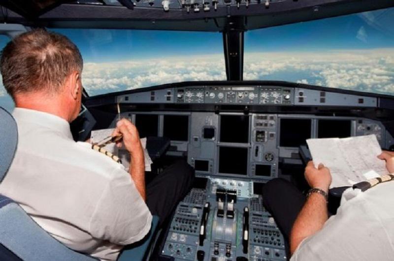 43 britu piloti ir... Autors: matilde 12 interesanti fakti, kas var likties nepatiesi