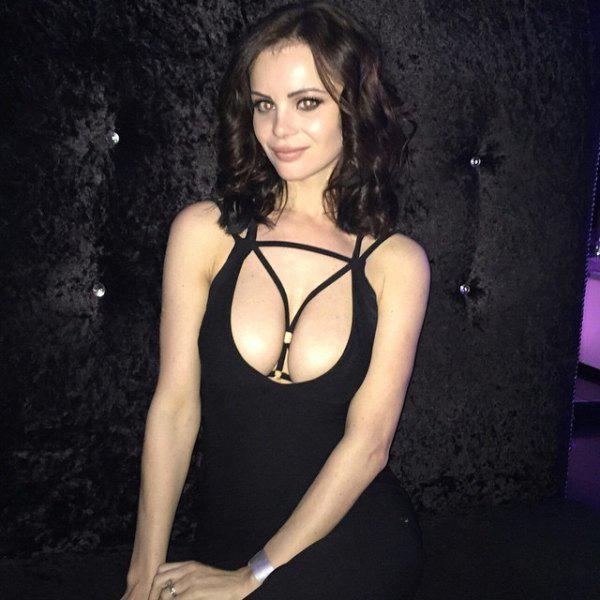 Autors: ProudBe Čikas apspīlētās kleitās 18