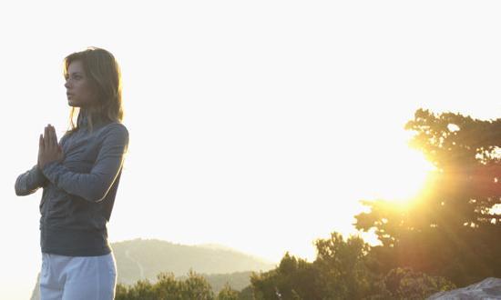 1MĒRI SAVU DZĪVI ELPĀS NEVIS... Autors: vienanominkam 9 elpu aizraujoši fakti par jogu