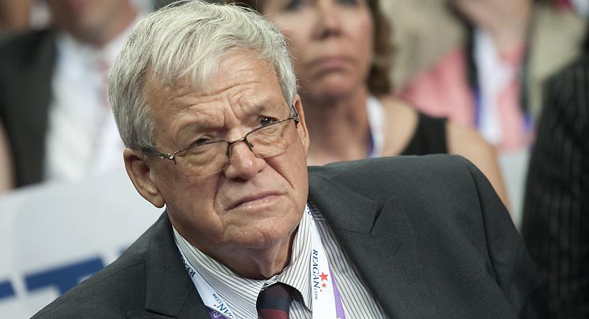 Dennis Hasterts Viens no Džona... Autors: Sid3s33 Džons Podesta, epasts un pedofilija Hollywoodā 2.daļā