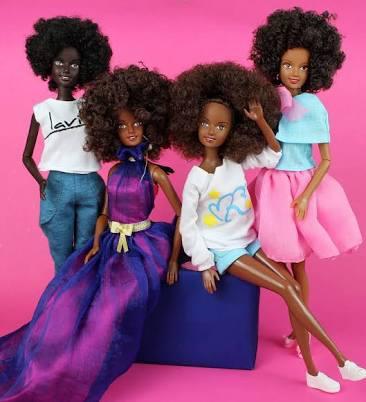 Malaville lelles kurām ir afro... Autors: Zigzig Raksts par Bārbiju un citām lellēm 👸🏼