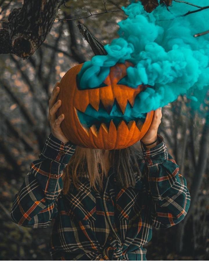 Autors: Bitchere Helovīna noskaņai