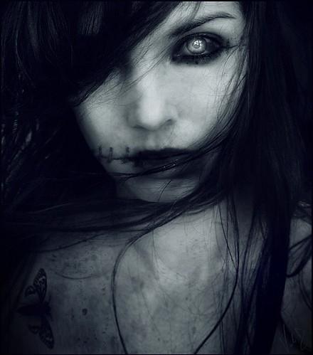 Autors: Gufija Meitene ar melnām acīm (Spoku stāsts - Helovīna noskaņā)
