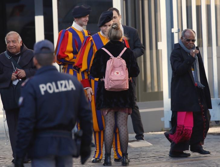 nbspParastai sievietei vajag... Autors: Lestets 15 fakti par Vatikānu, kuriem ir ļoti grūti noticēt