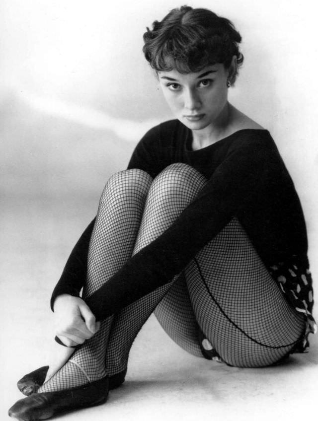 Audrey Hepburn Arī scaronis... Autors: Epicentrs Meitenes ar tīkliņiem