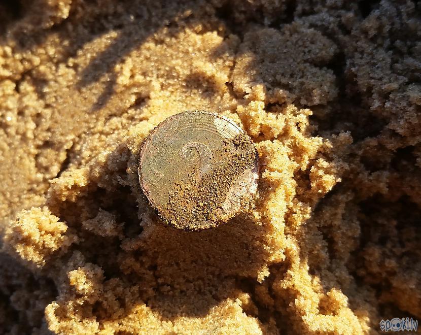 Santīmu monētas atrodas... Autors: pyrathe Ar metāla detektoru pa pludmali 2020 (augusts)