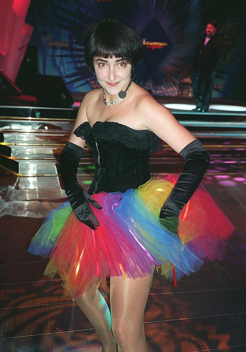 Lolita Miļavskaja Ja Lolita... Autors: Zibenzellis69 Kā Krievijas slavenības tērpās 20. gadsimta 90. gados (18 fotogrāfijas)