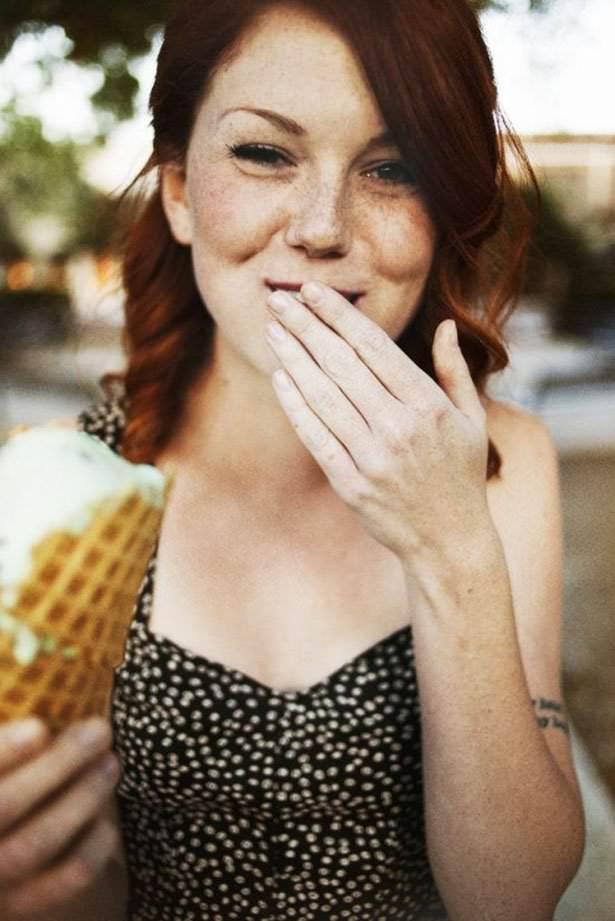 Autors: Zibenzellis69 Tas brīnišķīgais vasaras laiks, kad meitenes mielojas ar saldējumiem