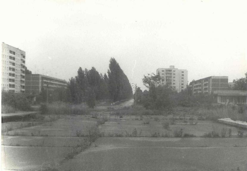 Ļeņina prospekts 1994 g Jau... Autors: Lestets Kā izskatījās Pripjata 90-tajos gados