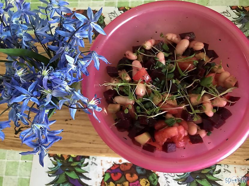 Te nu salātiņi... Autors: ezkins Rīta mundrums, dublis 2